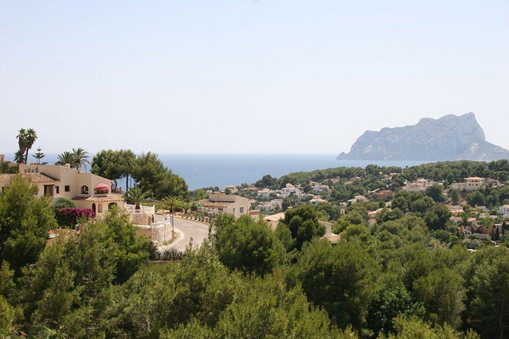 Grosse Villa zum Verkauf beim San Jaime Golf Club in Benissa mit einer fantastischen Panorama-Meersicht